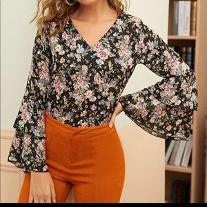 Floral print bell-sleeve blouse
